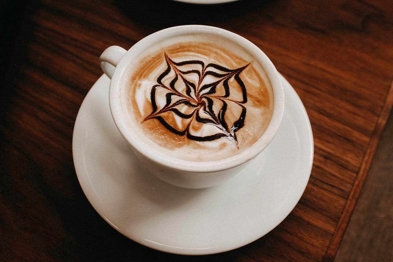 Hochwertige und regional geröstete Kaffeebohnen finden Sie im Salina Coffee Center.
