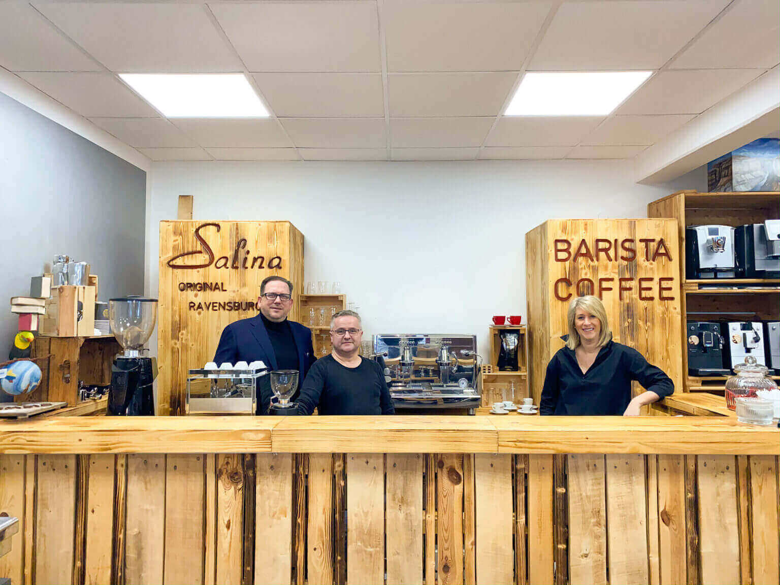 Das Team von Salina berät Sie in allen Kaffeefragen bis Sie die perfekte Maschine für Sich gefunden haben.