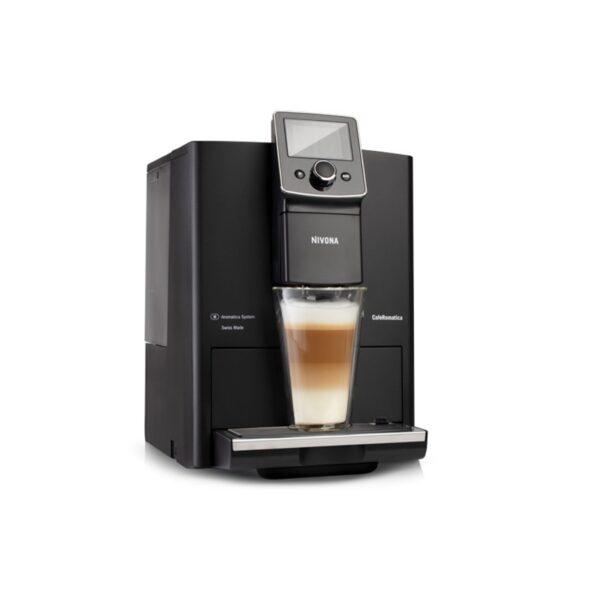 Die Nivona NICR 820 ist eine vollautomatisierte Kaffeemaschine und leicht zu handhaben.