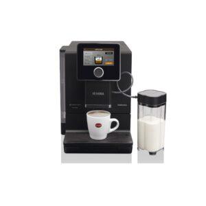 Die Nivona NICR 960 ist eine vollautomatisierte Kaffeemaschine mit individuellen Displays.