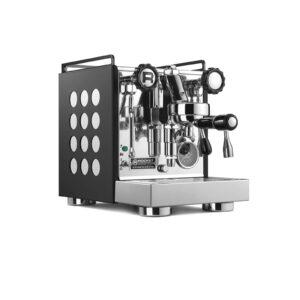 Die kompakte Zweikreiser-Espressomaschine Rocket Appartamento eignet sich besonders für die kleineren Räumlichkeiten.